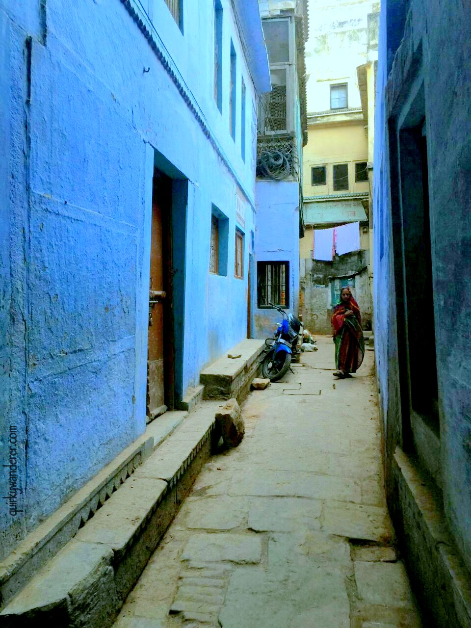 narrow lane blue