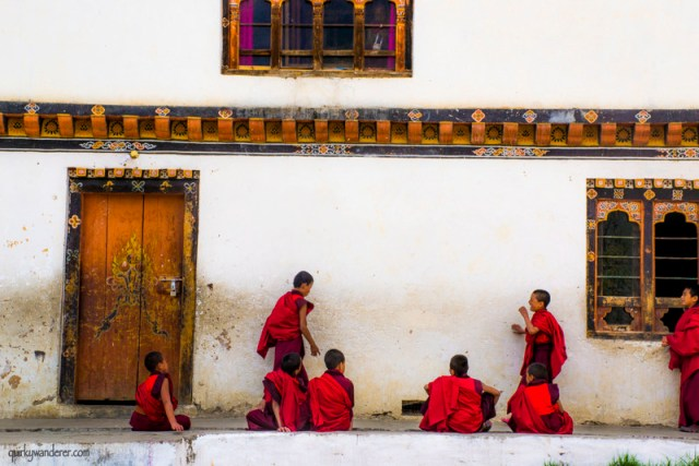 bhutanese monks3-001